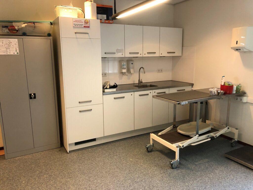 dierenarts-behandelkamer-helmaal-klaar.ec636c
